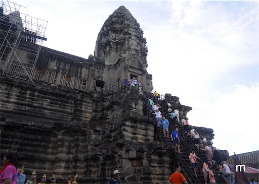 アンコールワット旅行記③カンボジア料理を食してアンコールワット内部へ!