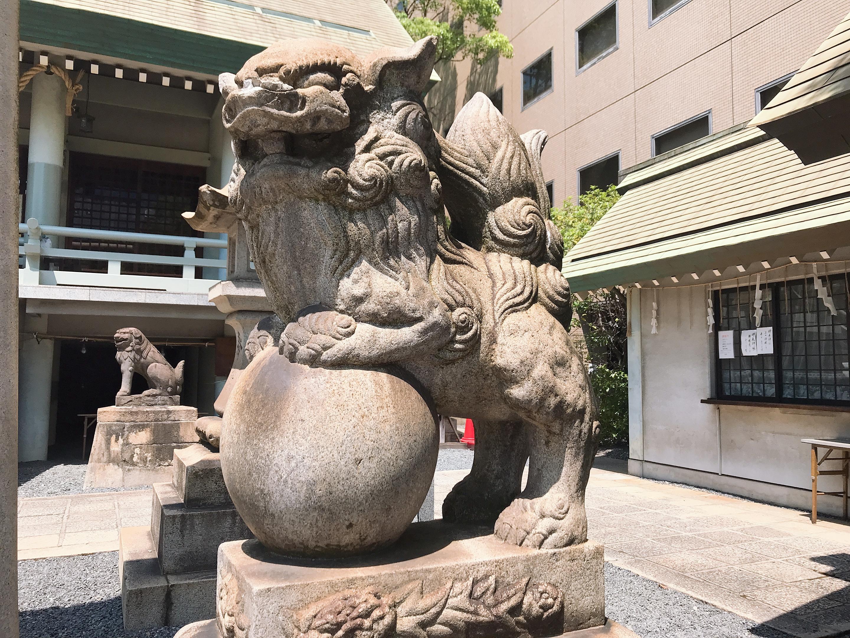 白神社の狛犬