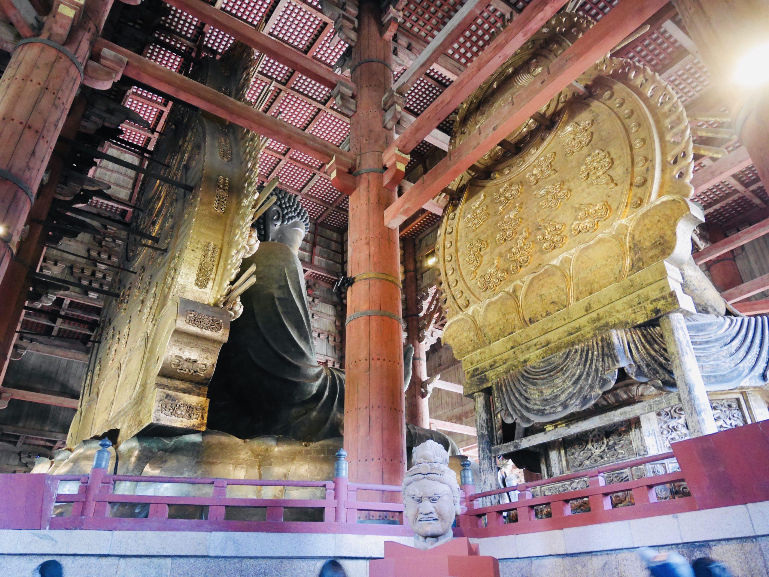 東大寺大仏様の裏側