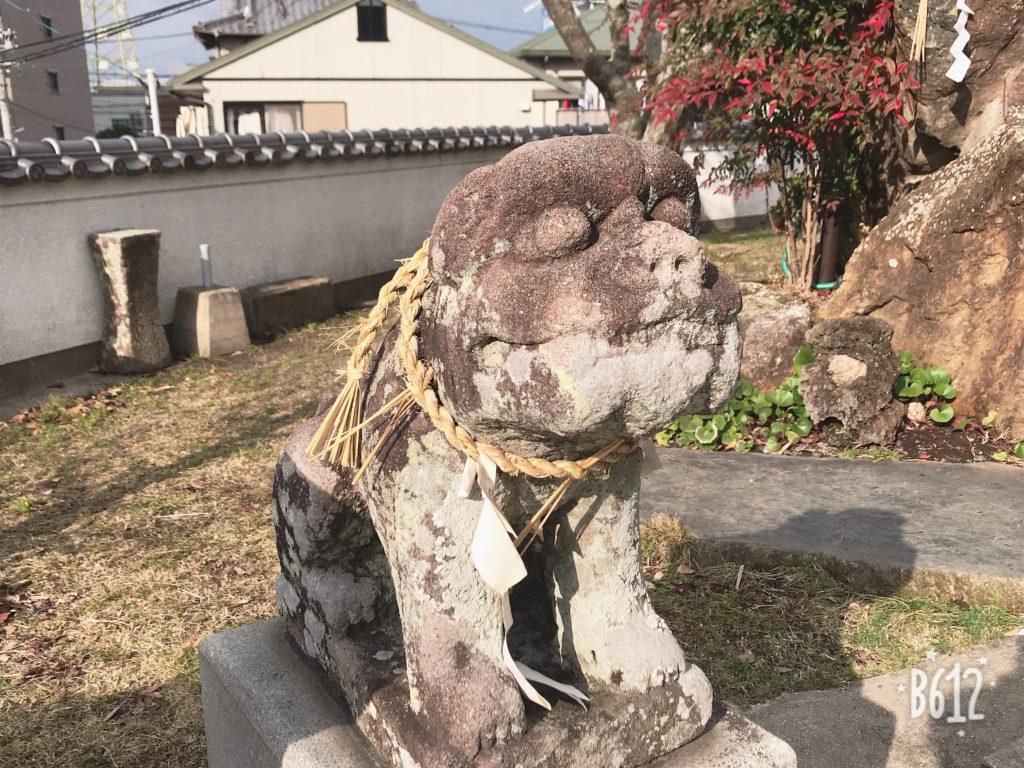 八幡神社の可愛い狛犬